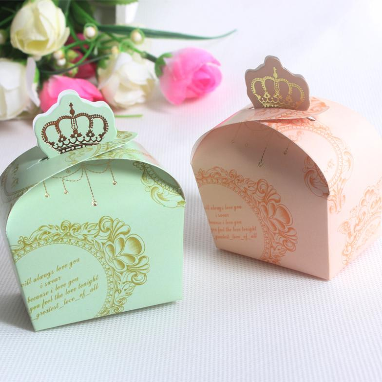 green crown wedding doorgift & King and Queen Wedding Doorgifts - Malay Wedding Favours Singapore